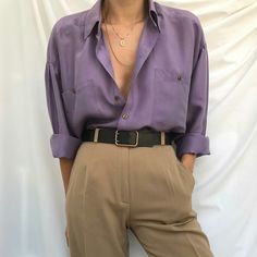 Remember to look for violet, vintage LL Bean and Eddie Bauer shirts. - Outfits for Work Remember to look for violet, vintage LL Bean and Eddie Bauer shirts. Trend Fashion, Fashion Blogger Style, Look Fashion, Fashion Outfits, Womens Fashion, Fashion Bloggers, Korean Fashion, Fashion Ideas, Gothic Fashion