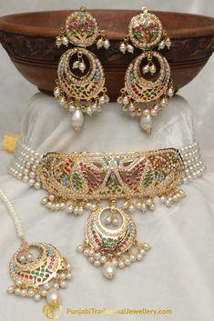 Jewelry OFF! Jadau Multi Pearl Choker Necklace Set By Punjabi Traditional Jewellery Pearl Necklace Designs, Jewelry Design Earrings, Gold Earrings Designs, Gold Designs, Pearl Choker Necklace, Beaded Necklaces, Pearl Jewelry, Necklace Set, Jewelery