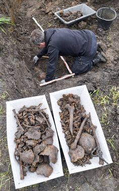 Seventy-two years after the end of World War II, a construction crew has found the remains of at least 21 Soviet Red Army soldiers in eastern Germany.