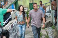 Paul Walker est  Brian O'Conner et Jordana Brewster est Mia Toretto