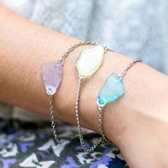 A pretty and beachy bracelet made with sea glass!  I plan on making this with some stones I own.