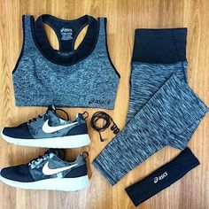 Chic Black and Grey Workout Outfit