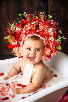 Milk Bath Photography, Baby Girl Photography, Chubby Babies, Cute Babies, Baby Milk Bath, Bath Pictures, Baby Fruit, Cute Kids Pics, Baby Smiles