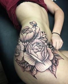Photo by (evandunnart) on Instagram |  #hiptattoo, #flowertattoo, #dotworktattoo, #girlswithtattoos, #tattooedgirl Hip Tattoos, Dot Work Tattoo, Lady, Instagram, Thigh Tattoos
