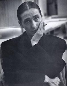 """Philippina """"Pina"""" Bausch July 1940 – 30 June was a German performer of modern dance, choreographer, dance teacher and ballet director. Pina Bausch, Dark Photography, Black And White Photography, Portrait Photography, Robert Rauschenberg, Modern Dance, Role Models, Amazing Women, Poses"""