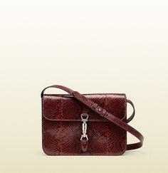 jackie soft python flap shoulder bag #Gucci  vu dans le #Stylist grâce à #Overlay
