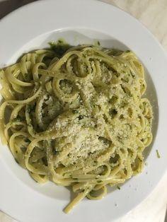 Spagetti aglio olio by Raubfuchs on www. Gnocchi, Pasta Aglio E Olio, Spagetti Recipe, Spaghetti, Pasta Dishes, Macaroni And Cheese, Meals, Ethnic Recipes, Desserts