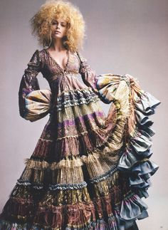 "The skirt inspires me. Julia Stegner in Jean Paul Gaultier Fall 2005 Haute Couture for ""From Paris, with Love"" by Patrick Demarchelier, Vogue UK October 2005 Bohemian Gypsy, Gypsy Style, Hippie Style, Bohemian Style, My Style, Vintage Bohemian, Bohemian Jewelry, Mundo Hippie, Estilo Hippie"