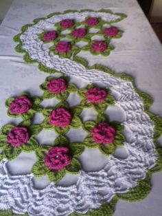 17 Amazing Handmade Crochet Tablecloth to Blow Your Mind