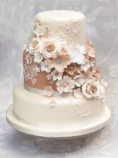 Brown is not usually my color palette, but this is a nice elegant example of a cake with warm colors