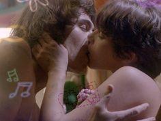 É muito amor, Brasil! Reveja a primeira vez de Pedro e Karina na íntegra
