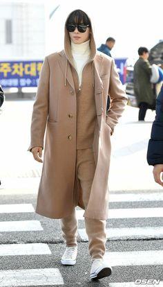 Korean Celebrities, Korean Actors, Cha Eunwoo Astro, Lee Min Ho Photos, Lee Dong Min, Korea Boy, Drame, Cute Korean Boys, Boyfriend Pictures