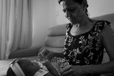 MÊS 2 - ANNA LOUISE + JOSÉ EDUARDO  #marciorochafotografia #fotografiadefamílias  #pb  #bw  #lifestyle #acompanhamentomensal #fotografiadebebês #rj
