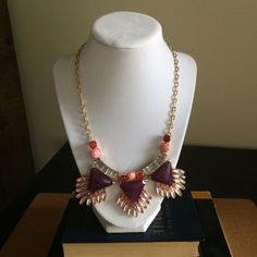 """Statement necklace. I received so many compliments on this piece. But I don't wear it anymore. Total length 21"""". Extension chain 3 1/4"""" Boutique Jewelry Necklaces"""