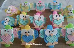 Prendedores de roupas com corujinhas em EVA by Rosely Pignataro... owls clothes pin