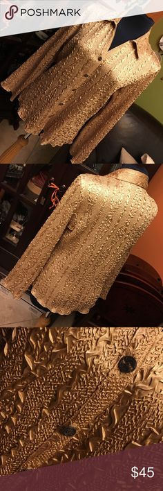 Vintage Gold Top with decorative buttons ✨Glam gold top that can be worn with slacks or jeans depending on how formal or casual you want to style your look. Gold sandals would complete the look! Chic and versatile evening wear. Excellent used condition. Includes extra button.💕 Essentials by Milano Tops Blouses