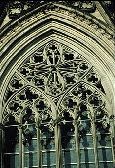 Gothic Architecture  Cologne Cathedral, Cologne, Germany 1248  ©Professor Jeffrey Howe  Boston College  http://www.bc.edu/bc_org/avp/cas/fnart/arch/gothic/cologne05.jpg