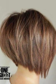 70 Fantastic Stacked Bob Haircut Ideas Gestapelte Chestnut Straight Bob The post 70 fantastische gestapelte Bob-Haarschnitt-Ideen appeared first on Frisuren Tips. Bob Style Haircuts, Stacked Bob Hairstyles, Bob Hairstyles For Fine Hair, Trending Hairstyles, Hairstyles Haircuts, Modern Haircuts, Bobbed Haircuts, Short Stacked Bob Haircuts, Choppy Bob Haircuts