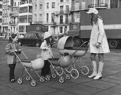 Space age coat & egg shaped prams (UK, 1973)