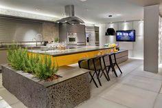 Cozinha com ilha central, o que você precisa saber antes de projetar a sua!