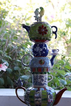 Parrot-topped Teapot Totem (detail) | Flickr - Photo Sharing!