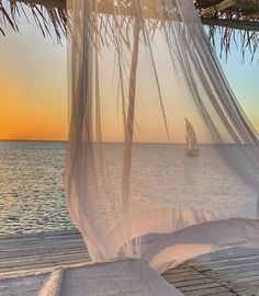 Holistic High-Quality Yoga Products - Premium Cork Yoga Mats, Fashionable Yoga Bags, Sustainable Cork Yoga Blocks and Luxury Meditation Shawls. Beach Aesthetic, Travel Aesthetic, Places To Travel, Places To Visit, Summer Dream, Dream Vacations, Aesthetic Pictures, Summer Vibes, Beautiful Places