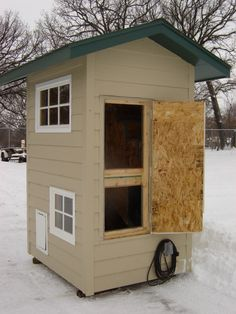 images about Dog Houses on Pinterest   Dog Houses  Cool Dog       images about Dog Houses on Pinterest   Dog Houses  Cool Dog Houses and Luxury Dog House