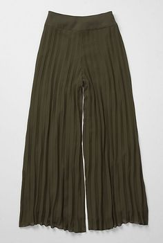 """These are palazzo pants. They were worn by liberal ladies in the 1920s, feather-haired femmes the 1970s, and in the early 90s as an elegant counterpoint to grunge's """"elephant pants"""""""