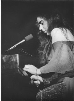 """"""" Laura Nyro in Concert at the Seattle Opera House April """" Jazz Blues, Rhythm And Blues, Laura Nyro, Nana Mouskouri, Classic Rock And Roll, Carole King, Seventies Fashion, Nina Simone, Barbra Streisand"""