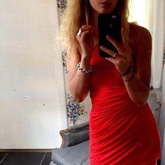 The Leaves ring matching a simple red look @lauralynggaardn - Leaves ring € 425 #sterlingsilver #silverforest #leavesring #olelynggardcopenhagen #charlottelynggaard #olelynggaard @charlottelynggaard_dk