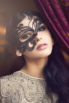 Belle of the masquerade (perfect eye makeup for that mask) … Masquerade Makeup, Masquerade Theme, Masquerade Ball, Masquerade Wedding, 3 4 Face, Venetian Masks, Beautiful Mask, Beautiful Ladies, Mask Making