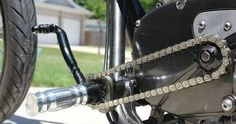 chain instead of gear shift linkage This is a damn good idea! Bobber Motorcycle, Bobber Chopper, Cool Motorcycles, Motorcycle Design, Bike Design, Custom Motorcycle Parts, Custom Harleys, Custom Bikes, K100 Bmw