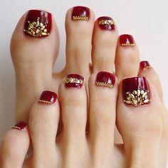 写真の説明はありません。 in 2020 Pretty Toe Nails, Cute Toe Nails, Pretty Toes, Fancy Nails, Gorgeous Nails, Pedicure Nail Designs, Bright Nail Designs, Toe Nail Designs, Manicure And Pedicure