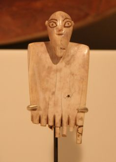 Ivory combs of Ancient Egypt, Naqada I. Egyptian predynastic art in the Ägyptisches Museum Berlin