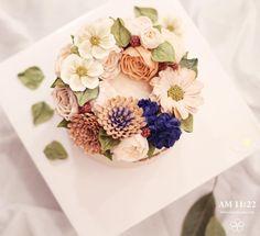 Repost am1122cake  로맨틱  #flowercake #buttercream #wiltoncake #buttercreamcake #wilton #am1122cake #florist #buttercreamflowercake #foodporn #specialcake #butter #鲜花蛋糕 #フラワーケーキ#カップケーキ #koreanflowercake #cake #wedding #instacake #버터크림 #플라워케이크 #꽃케이크 #플라워케익 #환갑케이크 #생신케이크 #플라워케이크클래스 #버터크림케이크 #생일케이크 #결혼기념일 _ www.am1122cake.com pandasm1122@naver.com✔️