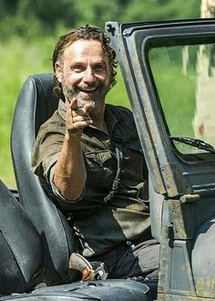 ANDREW LINCOLN SEES YOU!