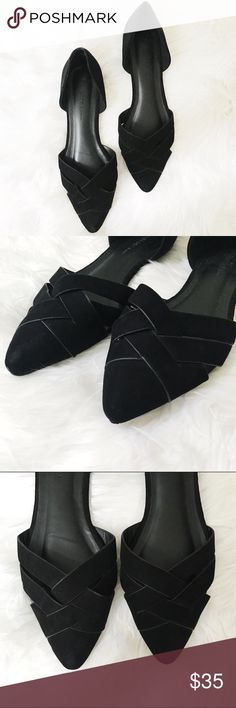 black flats offers welcome size 9 black flats. purchased from Modcloth but only worn once. •980065• Modcloth Shoes Flats & Loafers
