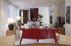 Casa de praia com espaço gourmet, ambientes integrados e varanda gostosa
