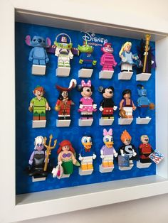 The final solution to your Lego Disney Minifigures Display Frame, 71012…