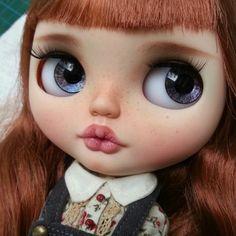 Rose dnes cestuje do svého nového domova ve Španělsku  #blythe #dolls #almonddollcustom #almonddoll #almonddollart