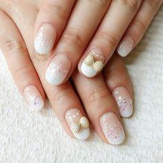 ** Nail By. Cindy** 흰색그라데이션 웨딩네일 #nail #nails #nailart #nailartclub #gel #gelnail #cutenails #prettynails #네일아트 #젤네일 #젤네일아트 #패디큐어 #Padgram