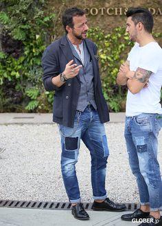 Men's wear # fashion for men # mode homme # men's fashion Mens Fashion Wear, Denim Fashion, Fashion Outfits, Herren Style, Casual Wear For Men, Dapper Men, Men Street, Men Looks, Jeans Style