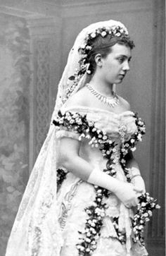 thefirstwaltz:    Princess Victoria of Baden in her wedding dress, 1881.