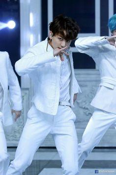 Taehyung have been assigned to the most richest company, jeon corp. Jung Kook, Busan, Bts Bangtan Boy, Bts Jungkook, Taehyung, Bts Jin, K Pop, Fanfiction, Bts 2013