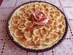 """Facebook0 Twitter0 Google + Pinterest0 Buongiorno! la Crostata salata con prosciutto e fichi è una ricetta che ho preparato in occasione dell'evento GZ """"Fruttiamo"""". Tutte noi blogger assieme, venerdi scorso, abbiamo preparato una ricetta a base di frutta, capitanate da Nunzia del blog Miele di Lavanda. In questi eventi ci divertiamo un sacco, mettiamo a …"""
