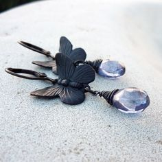 saw these on etsy (lunarbelle). wonder if I can make them. gorgeous!