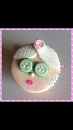 Pamper girl cupcake was made part of my pamper party cupcakes. Spa Cupcakes, Spa Party Cakes, Spa Cake, Girl Cupcakes, Cupcake Party, Cupcake Cakes, Spa Birthday Cake, Spa Birthday Parties, Sleepover Party