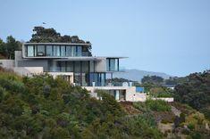 Hekerua Bay Residence tiered design