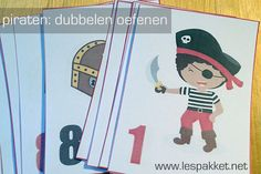 Thema piraten: dubbelen oefenen - Lespakket - thema's, lesideeën en informatie - onderwijs aan kleuters Preschool Pirate Theme, Pirate Birthday, Jouer, Teaching Math, Classroom Organization, Pre School, Under The Sea, Baseball Cards, Education