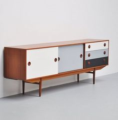 Rudolf Bernd GLATZEL: Teak & lacquered wood sideboard for Fristho, 60s Furniture, Furniture Market, Cabinet Furniture, Mid Century Modern Furniture, Upcycled Furniture, Furniture Makeover, Painted Furniture, Furniture Design, Smart Furniture